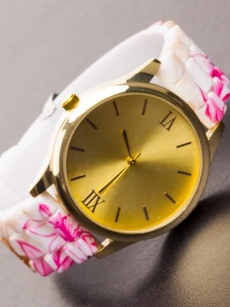 Różowy kwiatowy zegarek damski ze złotą tarcżą                                  zdj.                                  1