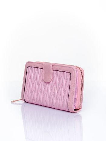 Różowy pikowany portfel ze złotym suwakiem                                  zdj.                                  3