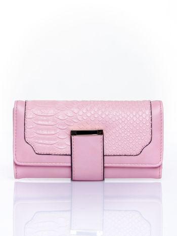 Różowy portfel z motywem skóry aligatora                                   zdj.                                  1