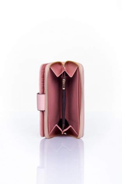 Różowy portfel z ozdobną złotą klamrą                                  zdj.                                  5