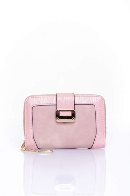 Różowy portfel z ozdobną złotą klamrą                                  zdj.                                  1