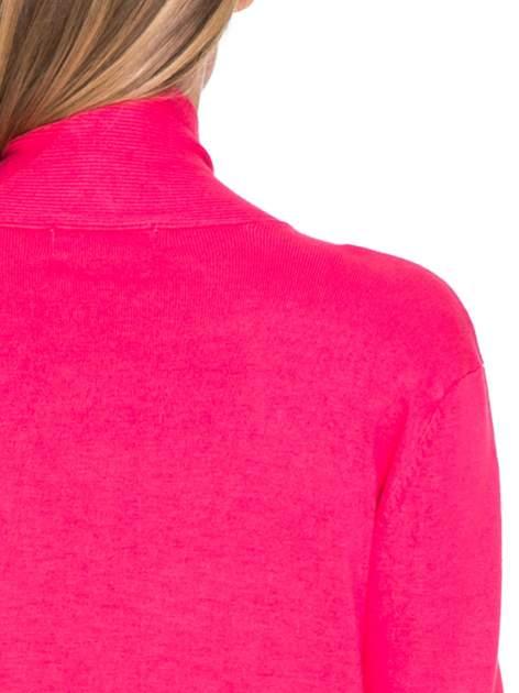 Różowy sweter kardigan z podwijanym rękawami z guziczkami                                  zdj.                                  7