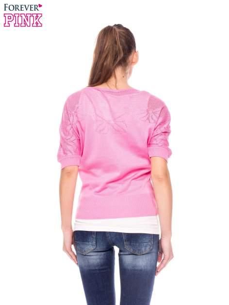 Różowy sweter z ażurową górą i krótkim rękawkiem                                  zdj.                                  3