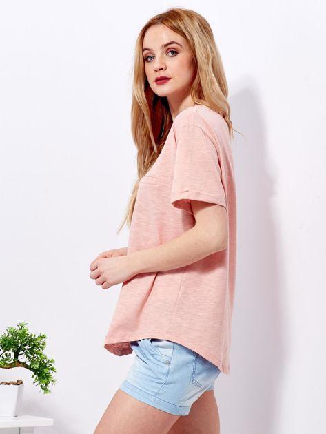 Różowy t-shirt basic z podwijanymi rękawami                              zdj.                              3