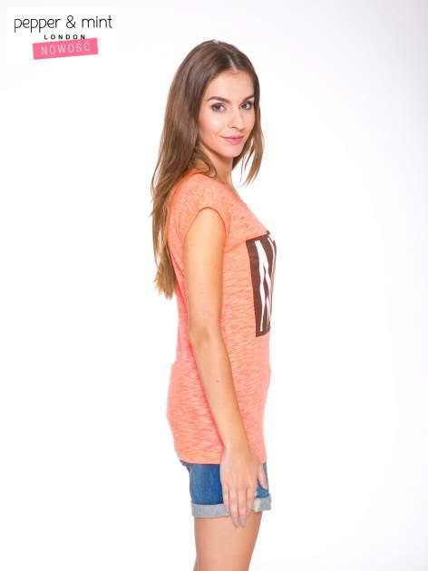 Różowy t-shirt z nadrukiem NOPE                                  zdj.                                  3