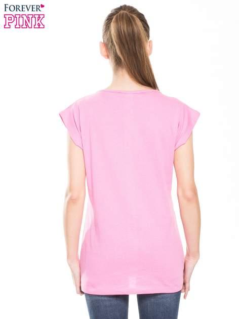 Różowy t-shirt z nadrukiem kobiety w stylu fashion                                  zdj.                                  2