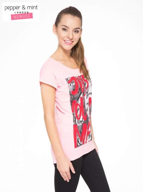 Rózowy t-shirt z napisem JUST YOU AND ME                                  zdj.                                  2