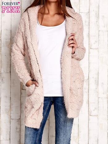 Różowy włochaty sweter z kapturem                              zdj.                              1