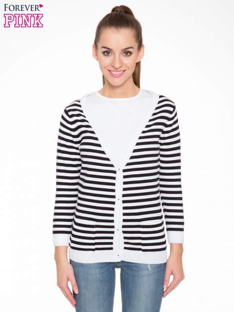 Rozpinany sweter w biało-czarne paski z kieszonkami po bokach                                  zdj.                                  1