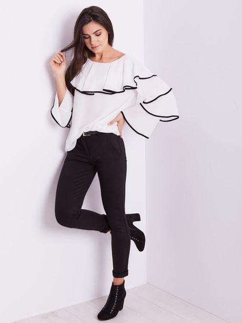 Biała bluzka z falbanami                              zdj.                              1
