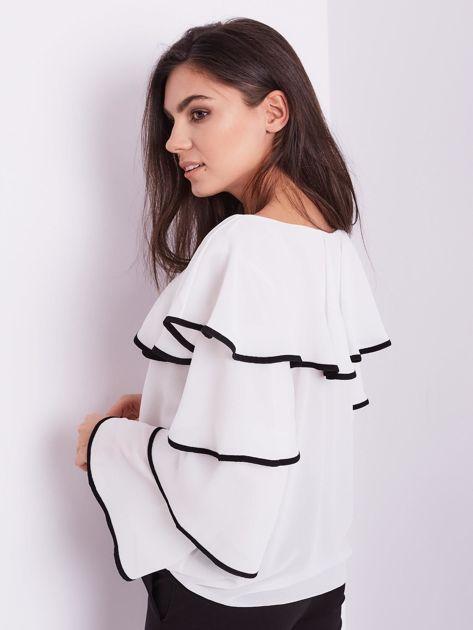 Biała bluzka z falbanami                              zdj.                              12