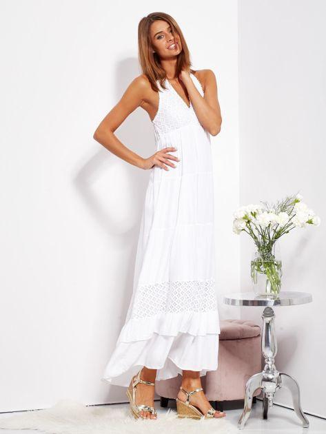 Biała sukienka maxi z koronką i wiązaniem na szyi                              zdj.                              5