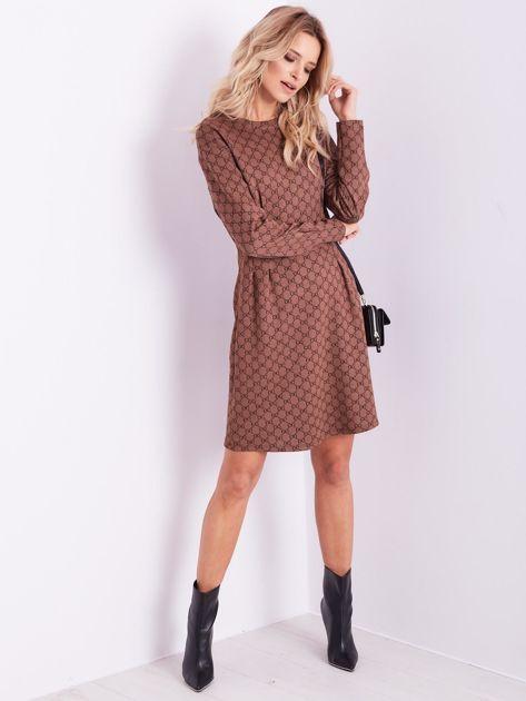 SCANDEZZA Brązowa sukienka ze wzorem                              zdj.                              1