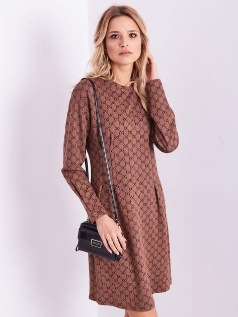 Brązowa sukienka ze wzorem                              zdj.                              3