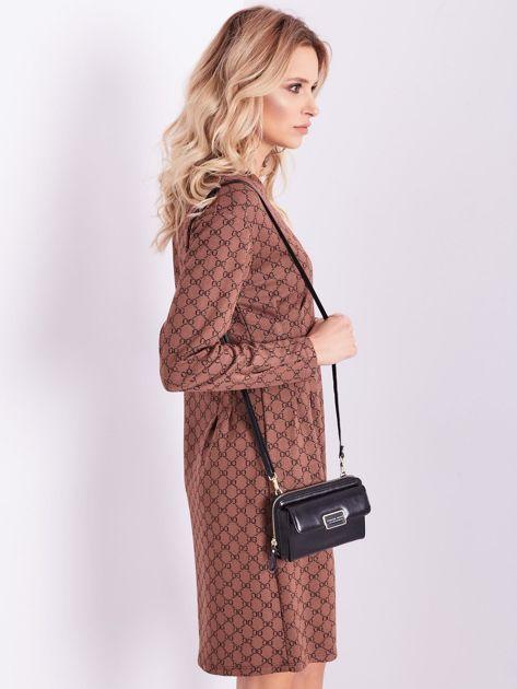 Brązowa sukienka ze wzorem                              zdj.                              7