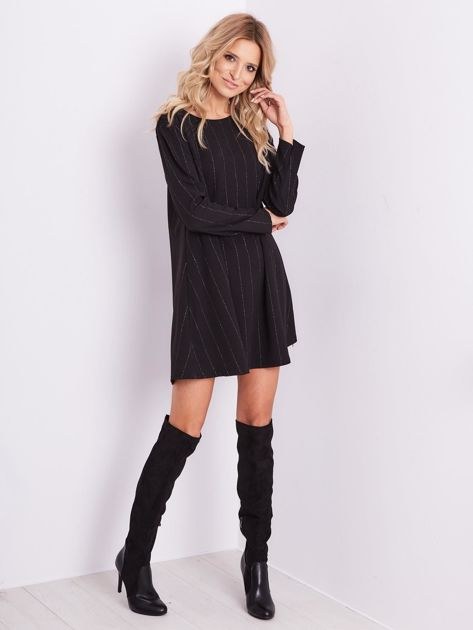 Czarna sukienka o luźnym kroju                              zdj.                              8