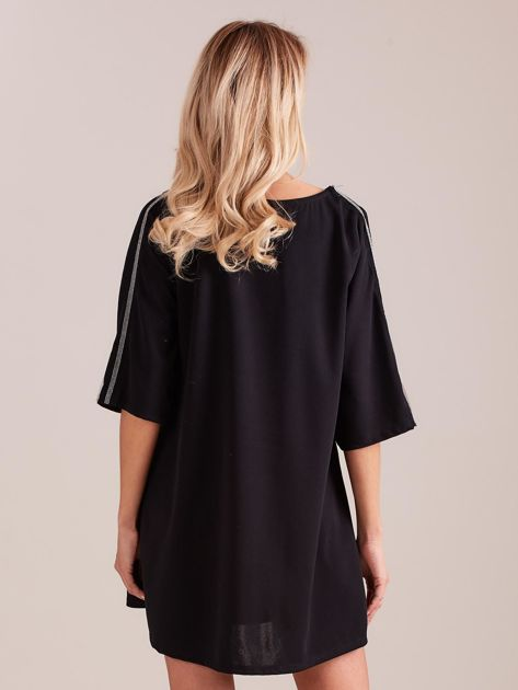SCANDEZZA Czarna sukienka oversize                              zdj.                              3