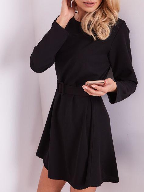Czarna sukienka z paskiem                              zdj.                              2