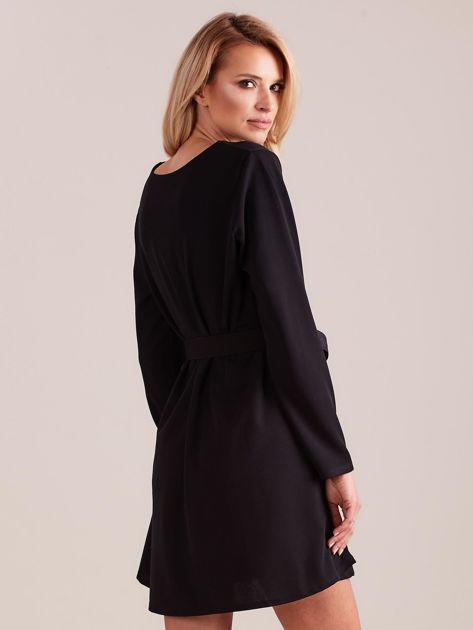 SCANDEZZA Czarna sukienka z paskiem                              zdj.                              4