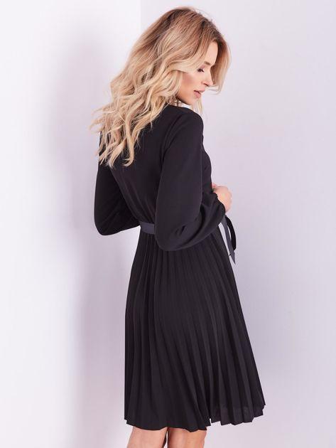 SCANDEZZA Czarna sukienka z wiązaniami                              zdj.                              10