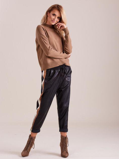 Czarne skórzane spodnie                              zdj.                              1