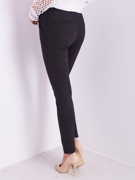 Czarne spodnie w delikatne groszki                              zdj.                              10
