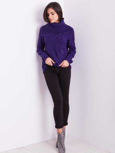 Fioletowy sweter golf w warkocze                              zdj.                              6