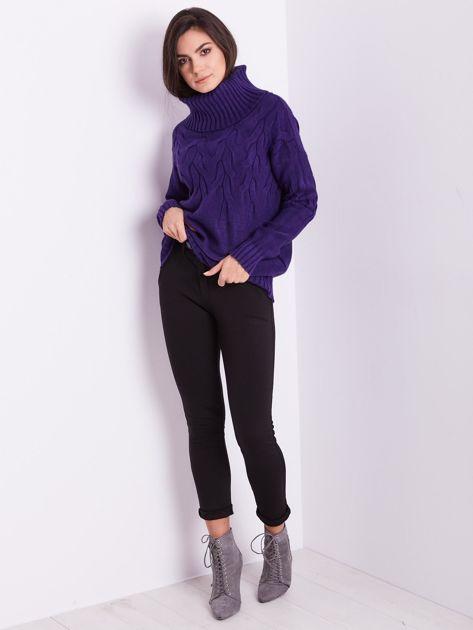 Fioletowy sweter golf w warkocze                              zdj.                              1