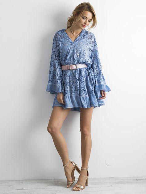 Niebieska luźna sukienka z koronki                              zdj.                              4