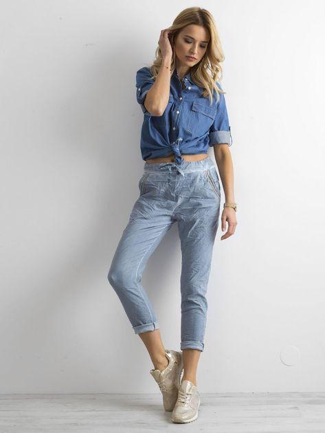 Niebieskie spodnie damskie                              zdj.                              4