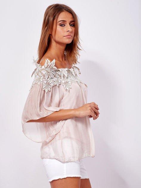 SCANDEZZA Różowa warstwowa bluzka hiszpanka z koronką                              zdj.                              3