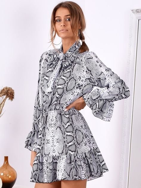 SCANDEZZA Szara wężowa sukienka z wiązanym chokerem                              zdj.                              2