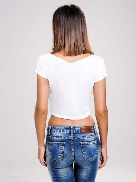 STRADIVARIUS Biały gładki t-shirt typu cropped                                  zdj.                                  2
