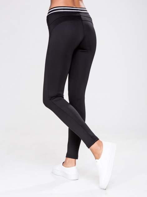STRADIVARIUS Czarne legginsy ze sportowym pasem                                  zdj.                                  2