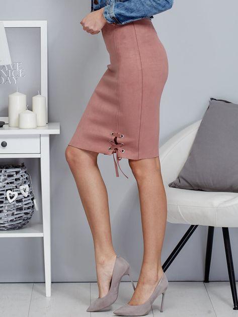 Spódnica różowa z imitacji zamszu ze sznurowaniem                                   zdj.                                  3
