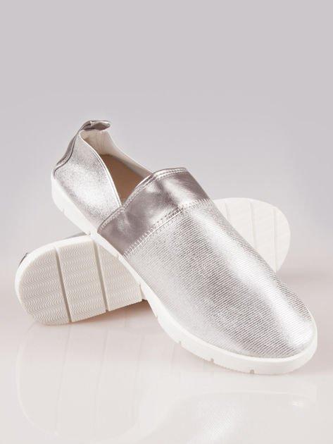 Srebrne buty slippers Dakota na traktorowej podeszwie                                  zdj.                                  4