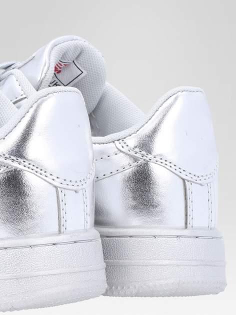 Srebrne buty sportowe faux leather Mousse na grubej podeszwie                                  zdj.                                  6