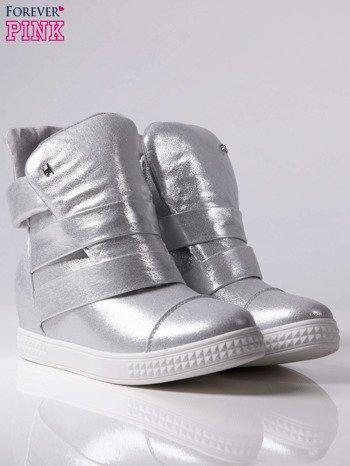 Srebrne sneakersy bandage Cindy w półbłyszczącym efektem i ukrytym koturnem