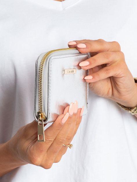 Srebrny błyszczący portfel                              zdj.                              3