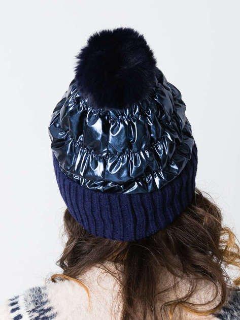Stylowy kaszmirowo-wełniany beret z futrzanym pomponem