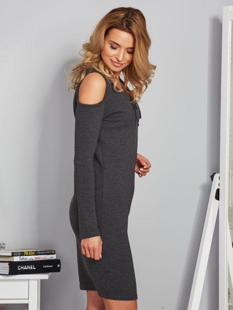 Sukienka cold shoulder w wypukłe paski grafitowa                                  zdj.                                  5