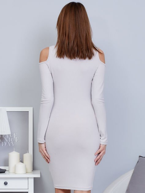 Sukienka cold shoulder ze złotym łańcuszkiem szara                              zdj.                              2