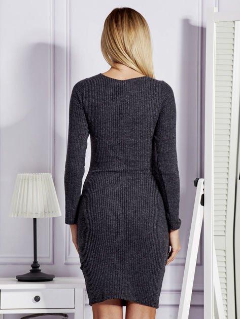 Sukienka damska w prążek ze sznurowaniem przy dekolcie ciemnoszara                              zdj.                              2