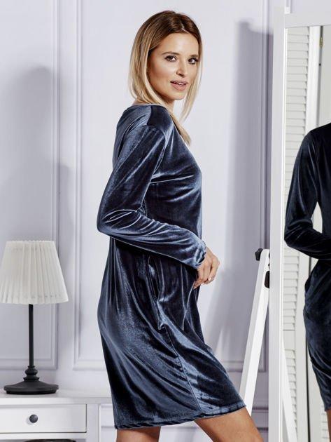 Sukienka damska welurowa z kieszeniami ciemnoszara                              zdj.                              3