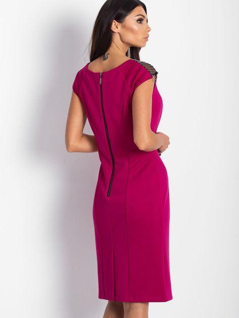 4aaa4f0206 Sukienka damska z łańcuszkami na ramionach ciemnoróżowa - Sukienka ...