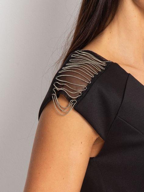 Sukienka damska z łańcuszkami na ramionach czarna                               zdj.                              5