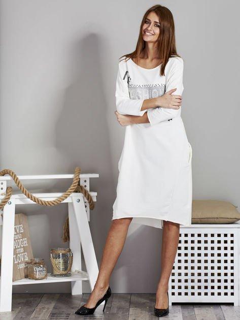 Sukienka damska z napisem z dżetów ecru                              zdj.                              4