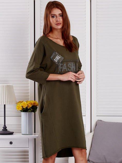 Sukienka damska z napisem z dżetów khaki                                  zdj.                                  5