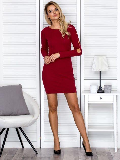 Sukienka damska z wycięciami na rękawach w prążek bordowa                              zdj.                              4