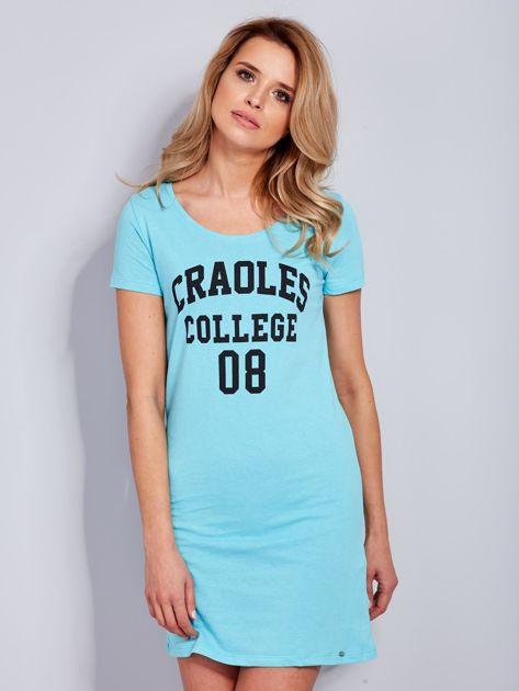 Sukienka jasnoniebieska bawełniana z napisem COLLEGE                                  zdj.                                  2